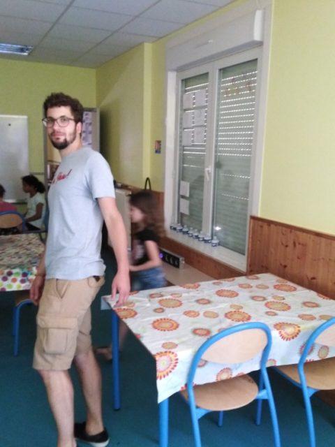Atelier monotype et jeux au club ce mercredi sous la chaleur